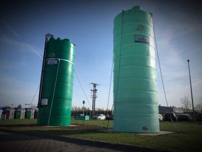 """Agrimaster - jednoplášťová nádrž na DAM 22000 litrov, 2"""" výpustné a 2"""" plniace potrubie v pracovnej výške"""
